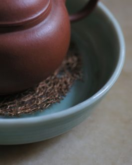 日本回流19世紀青釉刻花竹紋小碟
