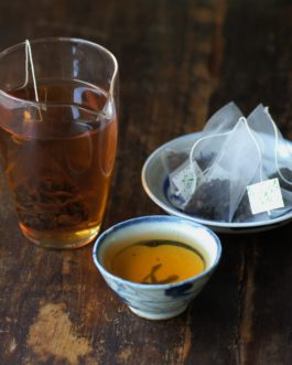 【 珍味隨行包 】2006年普洱生茶