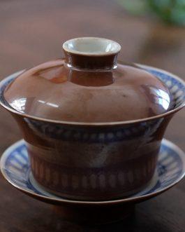 民國醬釉內青花魚澡紋蓋碗